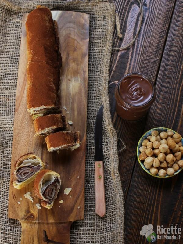 Ricetta Rotolo di pasta sfoglia alla Nutella