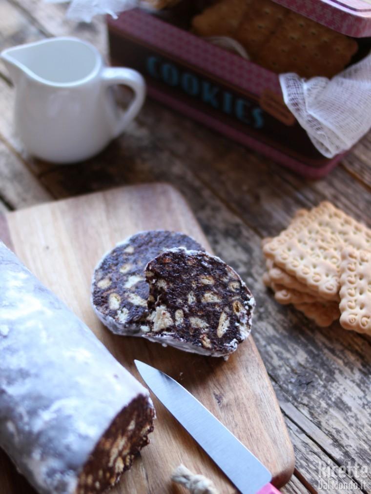 Salame di cioccolato e biscotti secchi 6