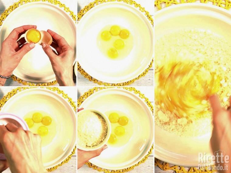 Lavorate le uova con sale e pecorino grattugiato