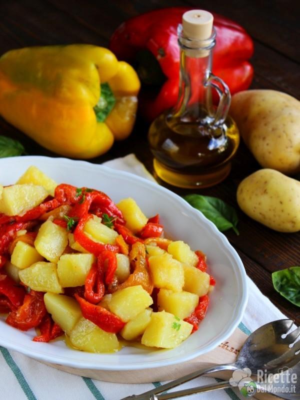 Come fare l'insalata di patate e peperoni