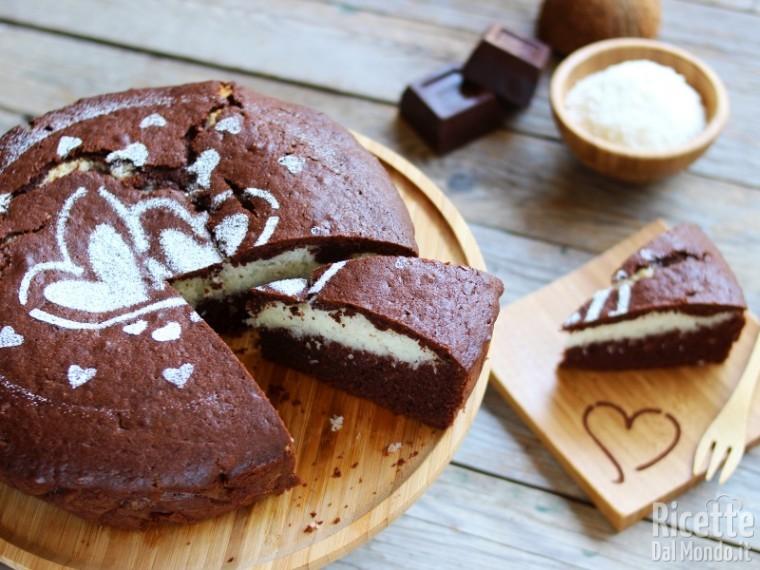 Torta al cioccolato con cuore al cocco