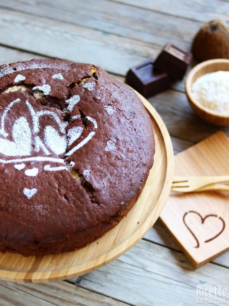 Ricetta Torta al cioccolato con cuore al cocco