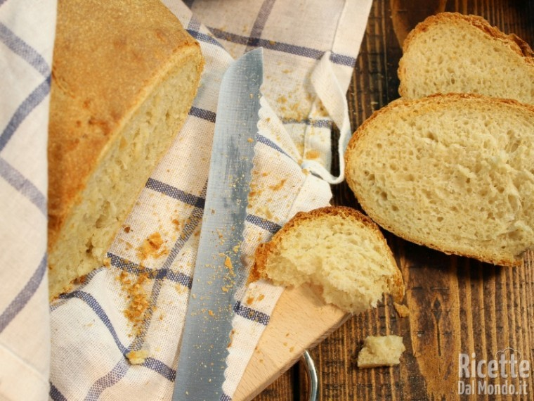 Pane fatto in casa semplice