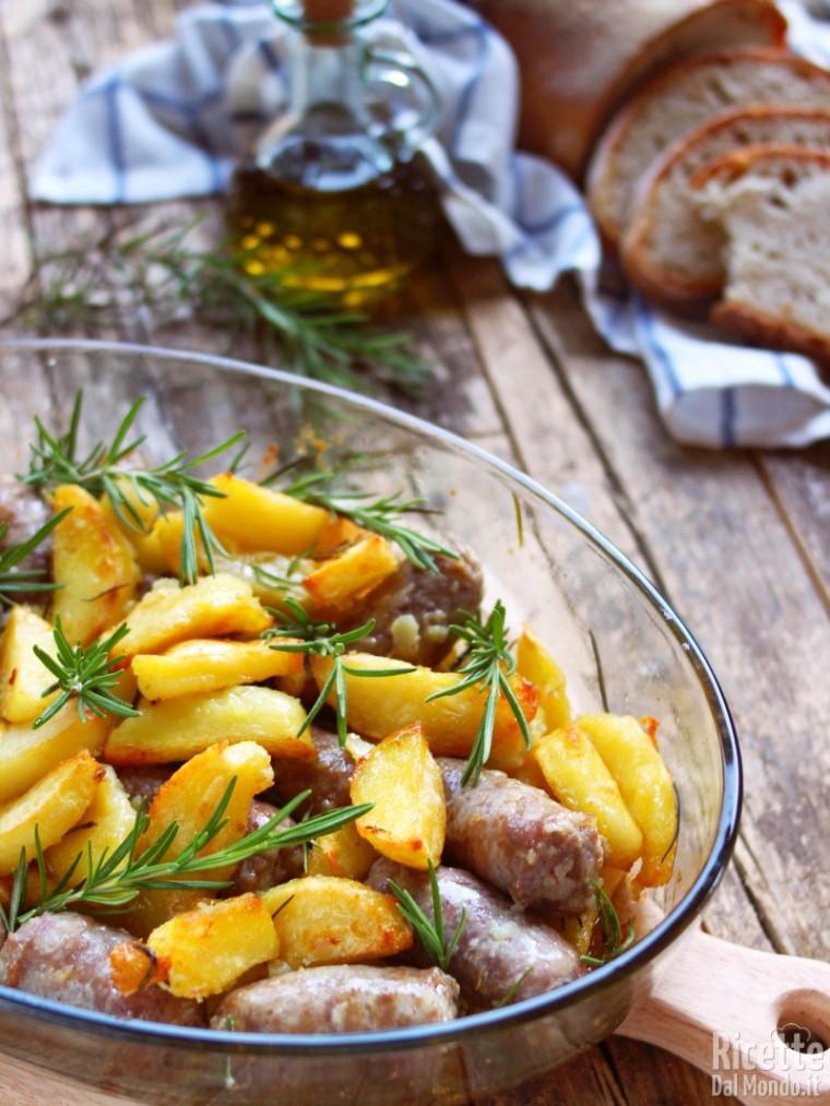 Salsiccia e patate al forno 5