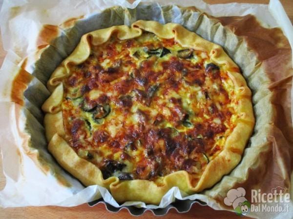 Torta salata con zucchine, melanzane e caciocavallo 6