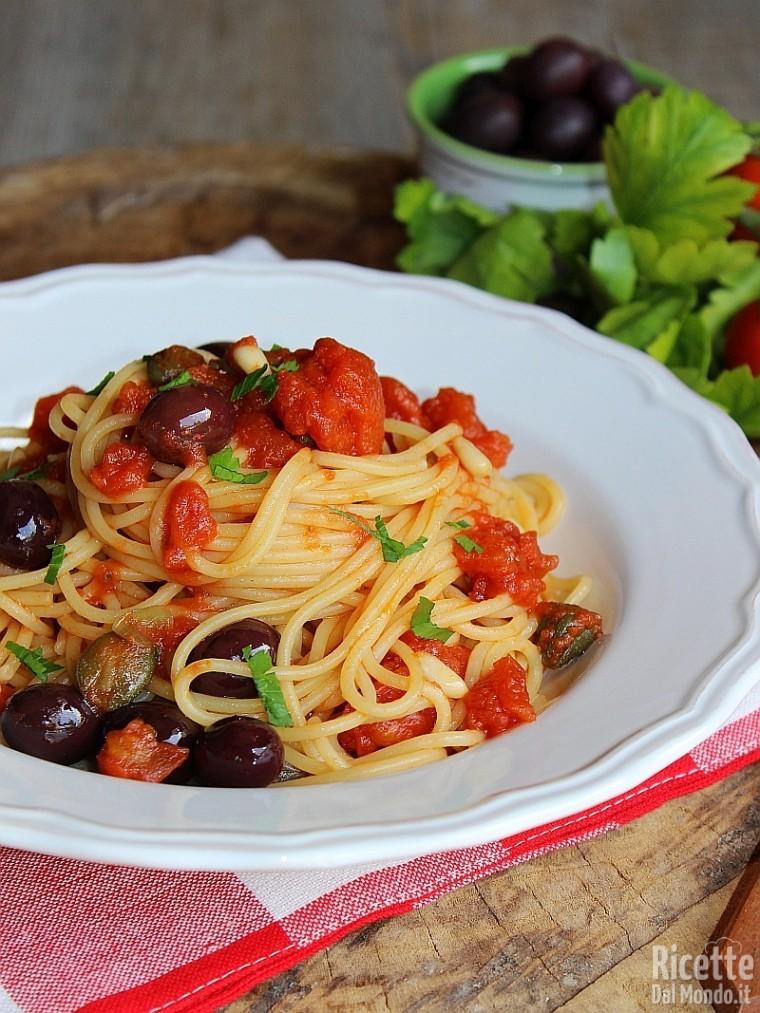 Come fare gli spaghetti gli puttanesca