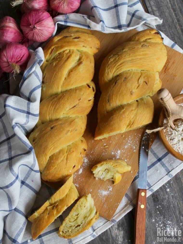 Come fare il pane alla cipolla