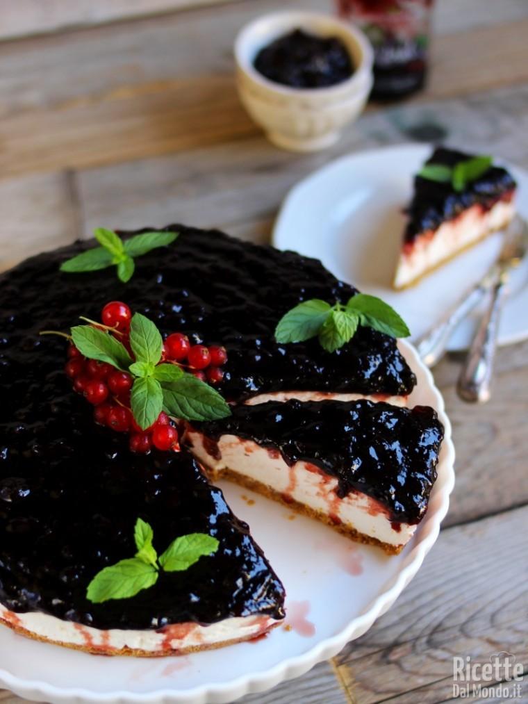 Come fare la cheesecake con confettura di mirtilli