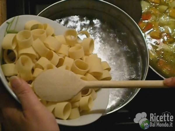 Cuocere la Calamarata