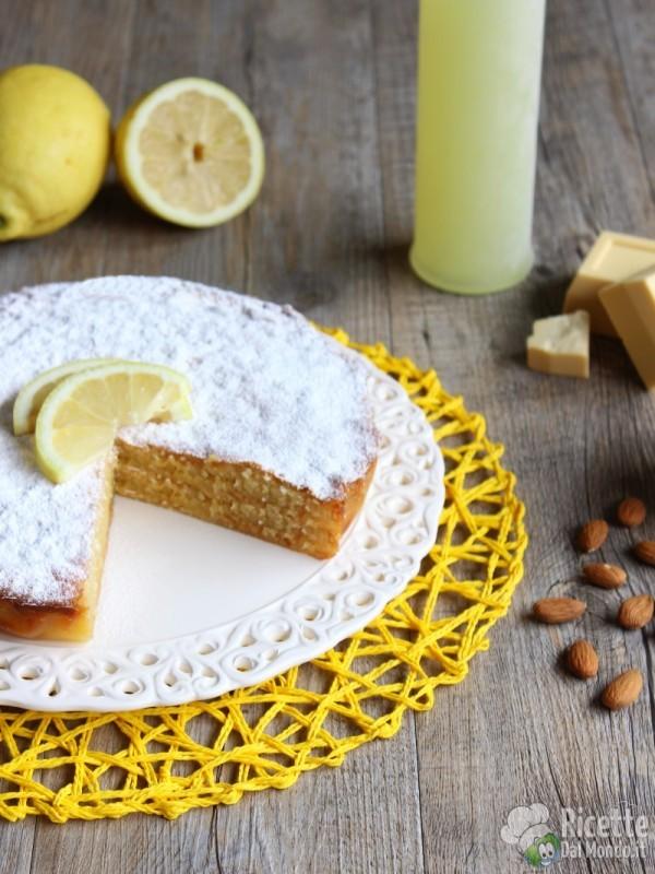 Come fare la torta caprese bianca al limone