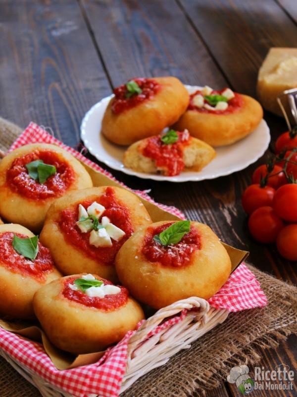 Pizzette fritte montanare - street food