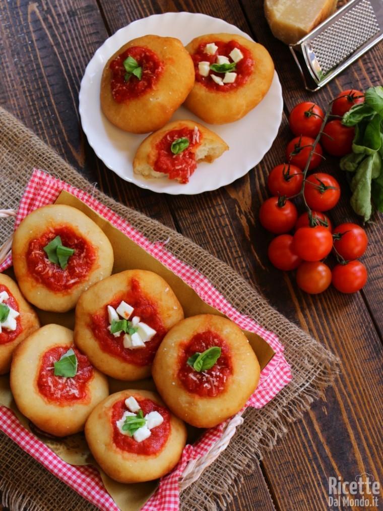 Pizzette fritte montanare napoletane