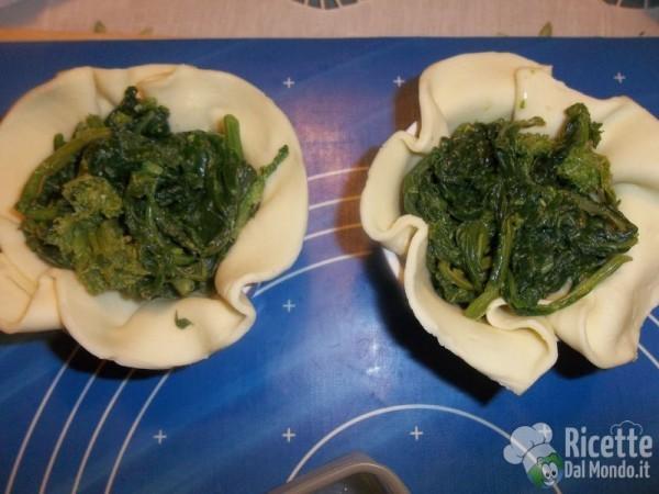 Cestini di Sfoglia con Broccoli e Salsiccia