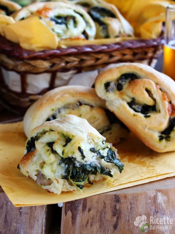 Gustosi panini napoletani salsiccia e friarielli