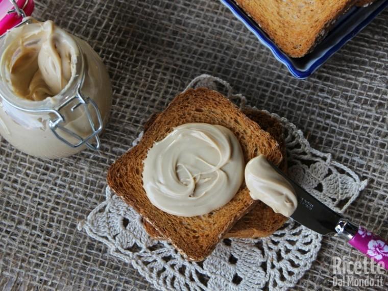 Ricetta crema spalmabile al cioccolato bianco