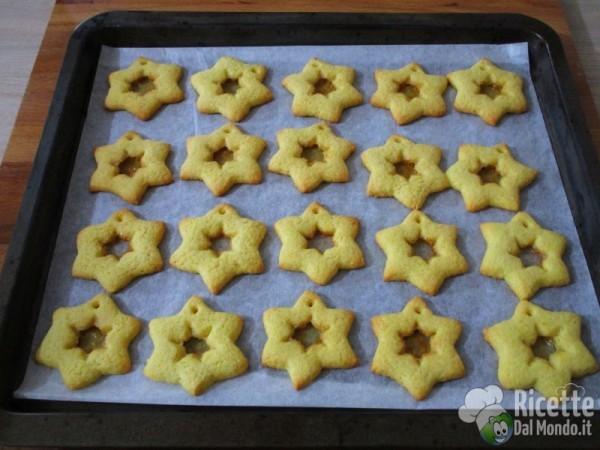 Biscotti Di Natale Effetto Vetro.Biscotti Di Vetro Da Appendere All Albero Di Natale