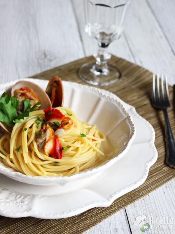 Come fare gli spaghetti ai fasolari
