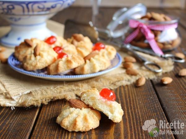 Pasticcini di pasta di mandorla siciliani