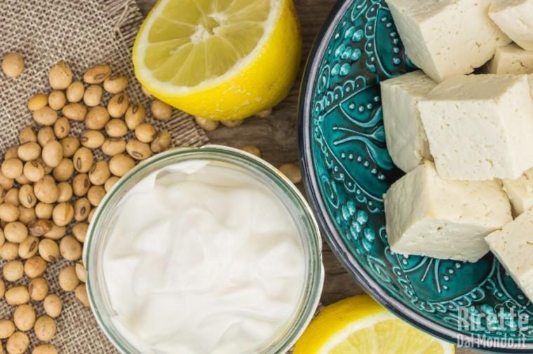 Come sostituire le uova: yogurt di soia, tofu