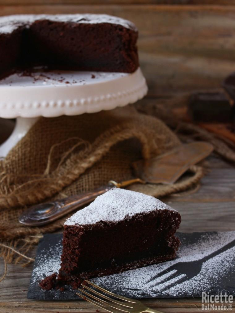 Come fare una soffice torta al cioccolato della nonna
