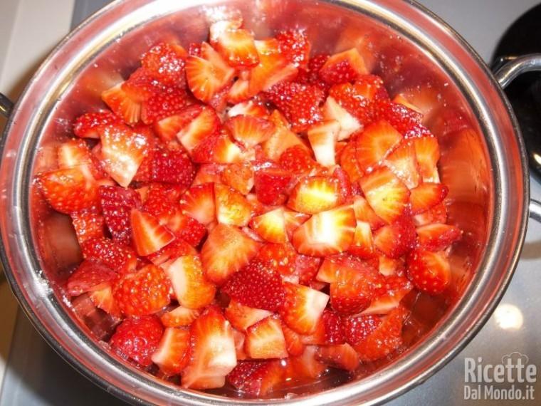 Torta fredda di fragole 4