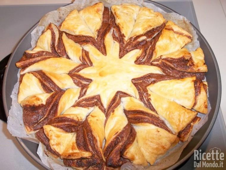 Preferenza Fiore di pasta sfoglia alla Nutella | RicetteDalMondo.it JI37