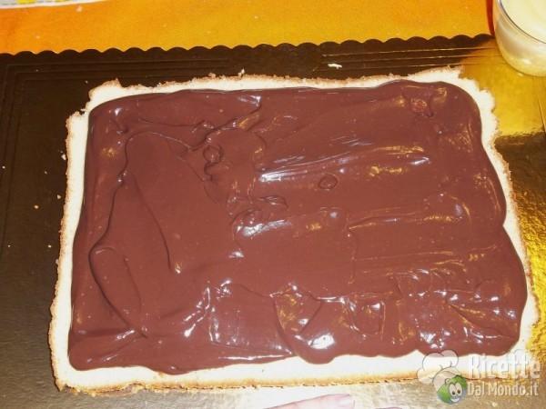 Torta di compleanno di pasta di zucchero 8