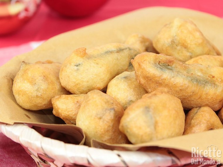 Come fare i carciofi in pastella senza uova e senza glutine