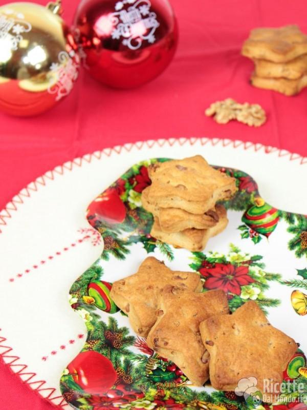 Come fare i biscotti salati alle noci