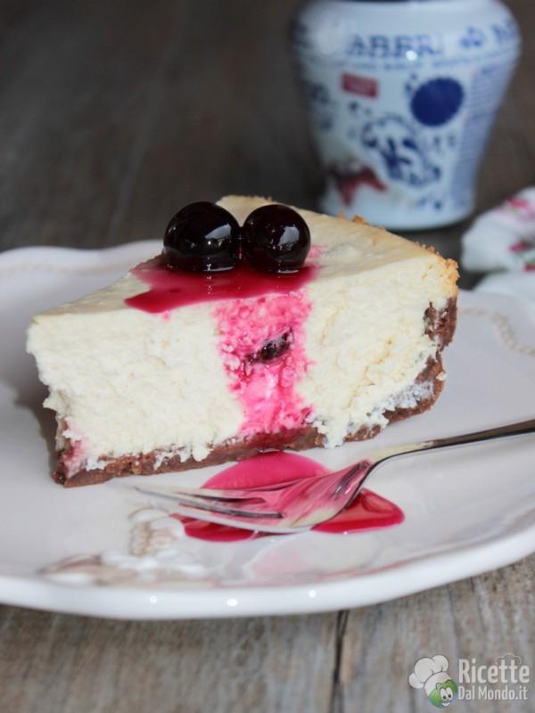 Come fare la cheesecake alla ricotta con le amarene