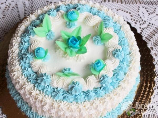 Torta di compleanno al cioccolato for Decorazioni torte uomo con panna
