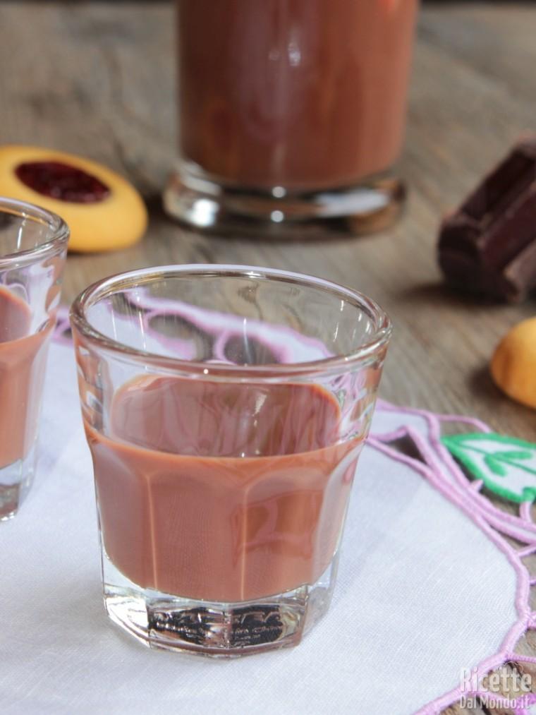 Come fare il liquore al cioccolato fondente