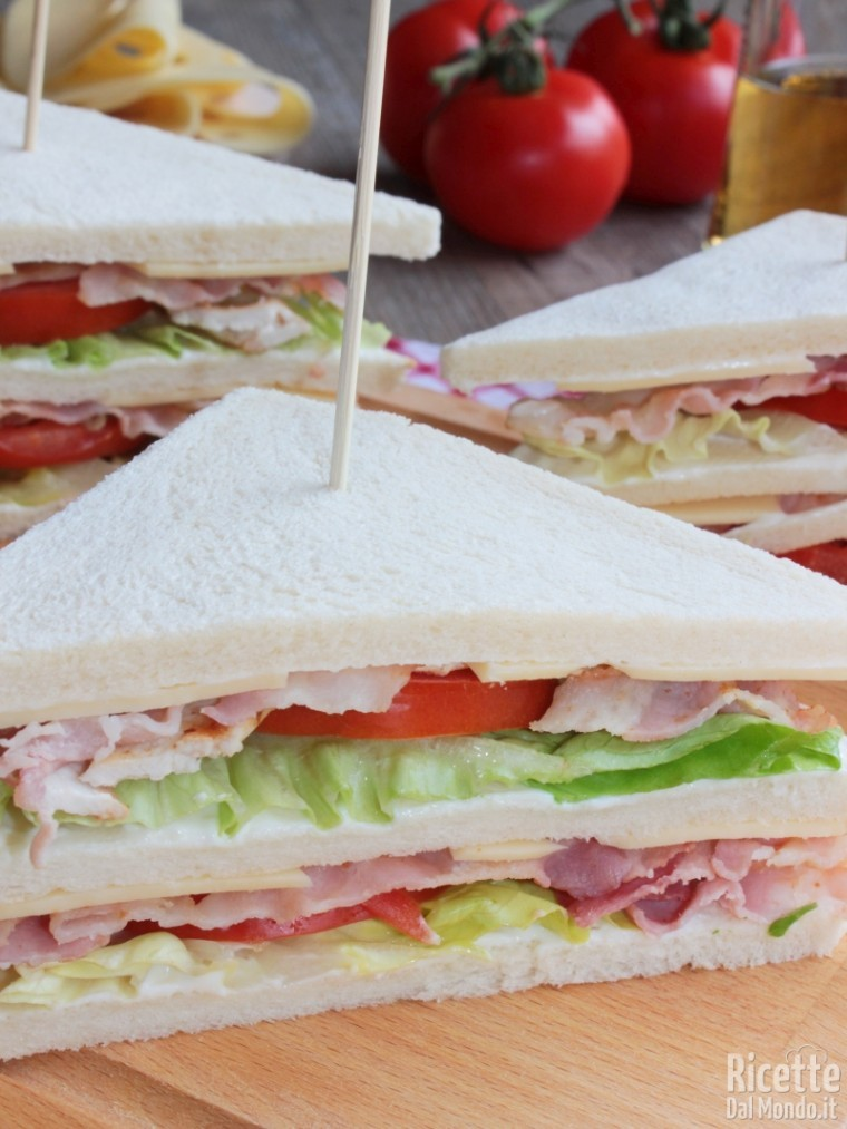 Come fare il clubhouse sandwich