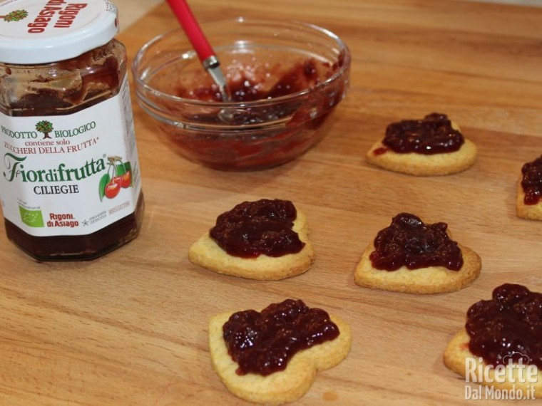 Biscotti di frolla con marmellata 12