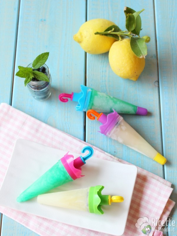 Come fare i ghiaccioli alla menta e al limone
