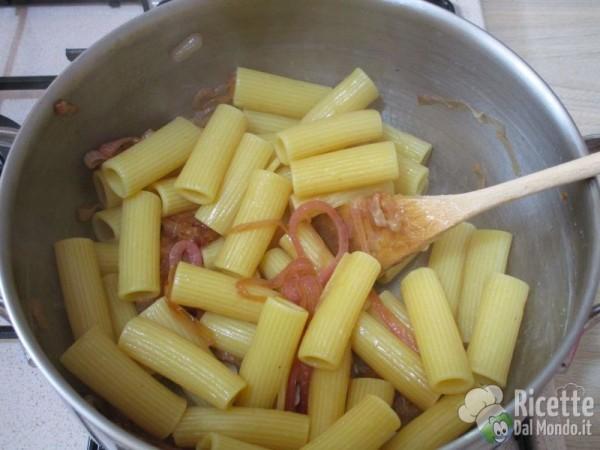 Pasta con le cipolle rosse 10