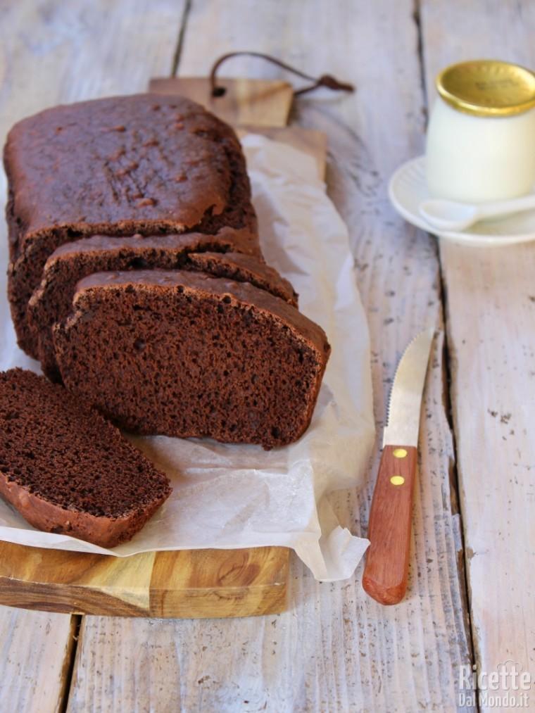 Come fare la torta al cioccolato senza lattosio e uova