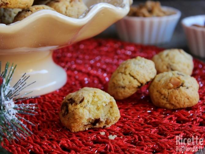 Biscotti con frutta secca di Natale