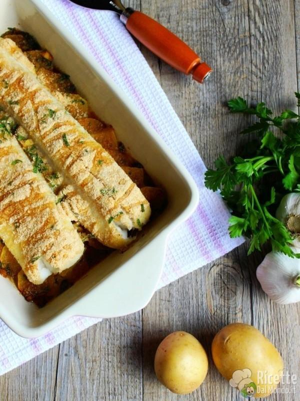 Come fare il merluzzo con patate al forno