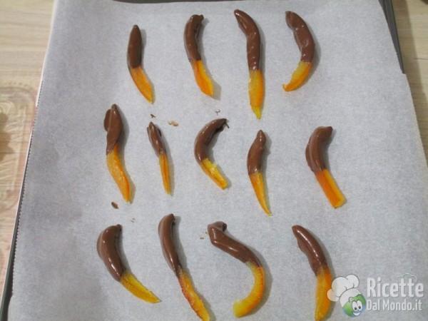 Scorze di arancia candite al cioccolato 5