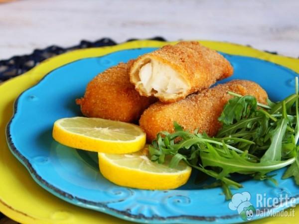 Super Bastoncini di pesce fatti in casa | RicetteDalMondo.it BQ55
