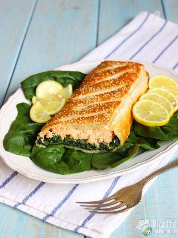 Come fare lo strudel di salmone e spinaci