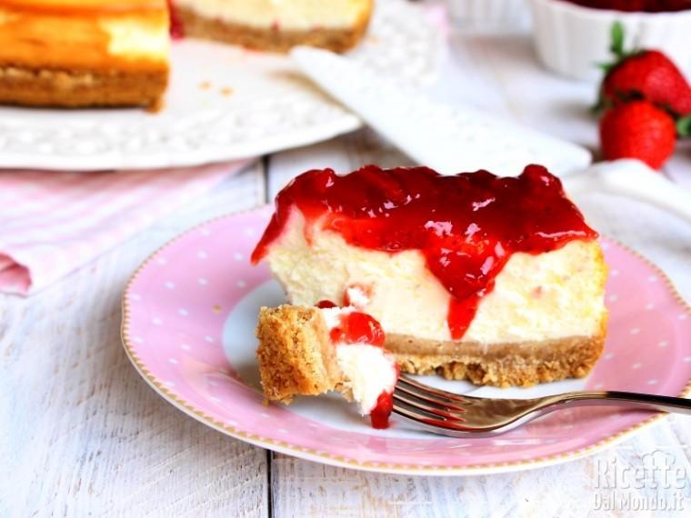 Cheesecake cotta alle fragole al forno