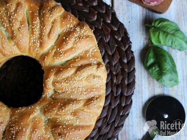 Corona di brioche salata 7