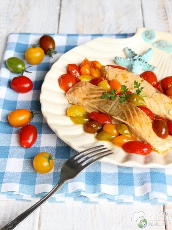 Come fare il salmone in padella