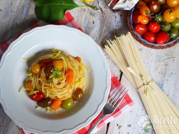 Spaghetti con colatura di alici e pomodorini 10