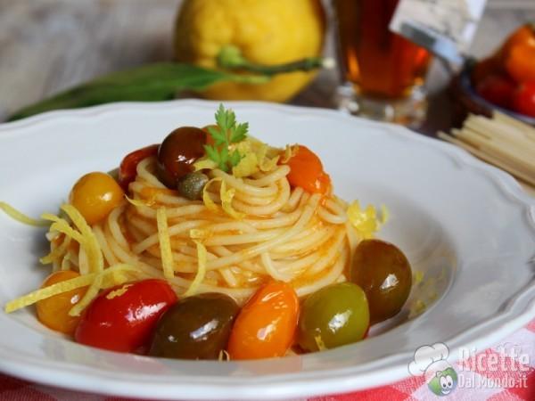 Ricetta spaghetti con colatura di alici e pomodorini