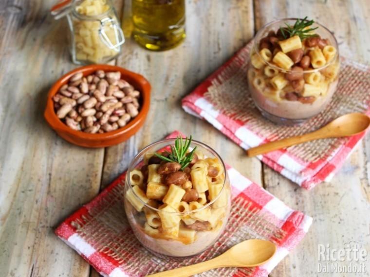 Pasta e fagioli nel bicchiere monoporzione