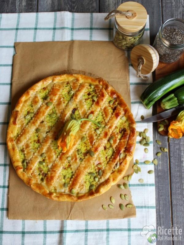 Come fare la crostata salata di zucchine e fiori