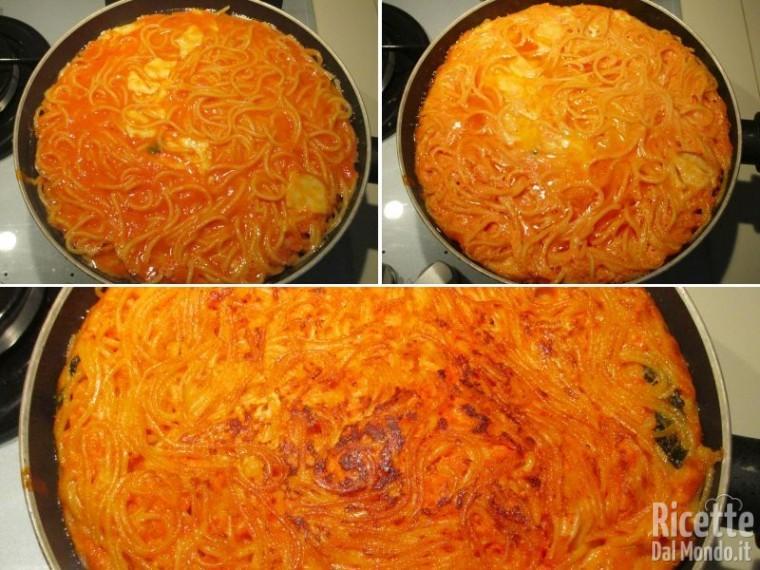 Frittata di spaghetti al sugo 7